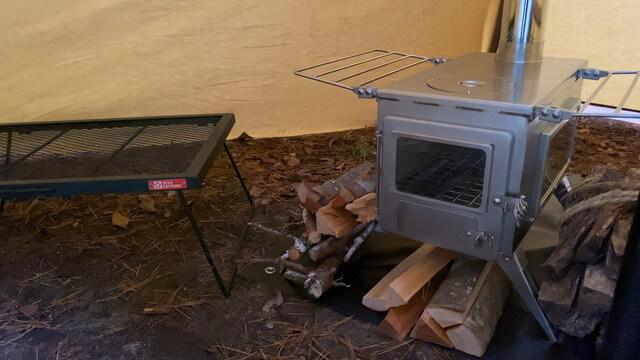 【解説】テント内に薪ストーブを導入する方法!【実体験/注意点など】