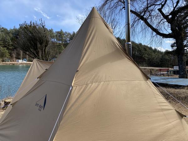 【日記】湖畔サイトにPC持ち込んでキャンプしてます【様子/キャンプ風景】