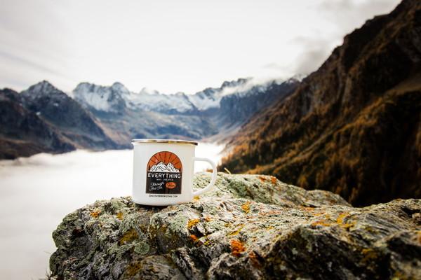 最高のアウトドアコーヒーを楽しめる道具11個を紹介