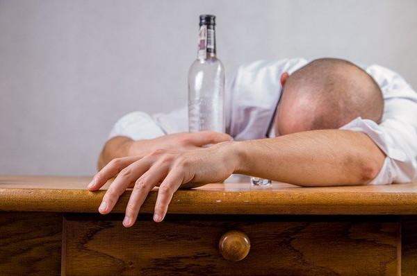 1.寝れない時のお酒は良いの?悪いの?